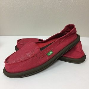 Red Sanuk Slip On Casual Shoe Size 8 Like New